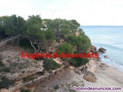 Alquilo apartamento delante de mar, con acensor hasta el acceso ala playa