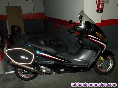 Moto Suzuki Burgman 250i
