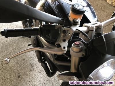 Ducati - monster 1100 evo