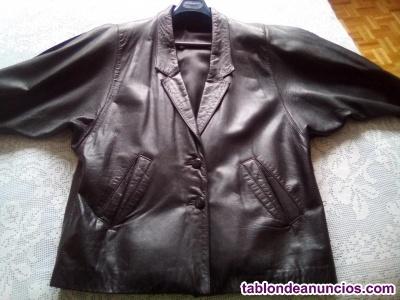 Vendo chaqueta cuero autentico negra mujer