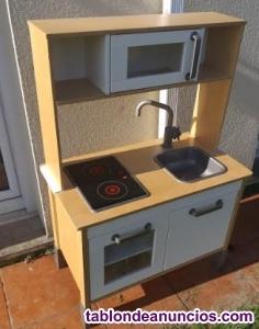Cocinita de madera infantil