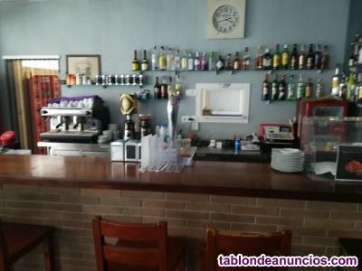 Traspaso bar en el centro de Sallent con opción a compra