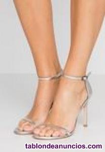 Vendo sandalias plateadas casi nuevas