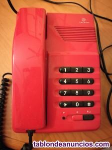 Teléfonos en perfecto estado, uno rojo y otro negro