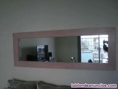Bonito espejo de madera de Abeto