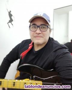 Se dan clases de guitarra, lenguaje On line