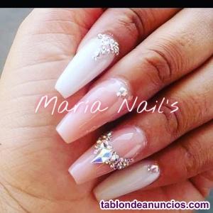 Técnico especialista en uñas acrílicas ( porcelana)