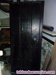 Puerta antigua madera maciza