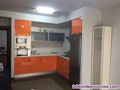 Apartamento en zona céntrica con ascensor cota 0. Garaje opcional.