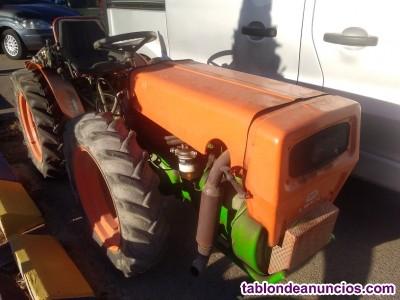 Tractor INTERNACIONAL 685 Matriculado.
