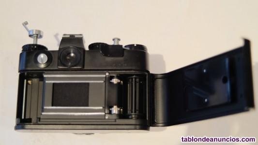 Se vende cámara de fotos. RÉFLEX ZENIT 12XP MADE IN URSS 1987