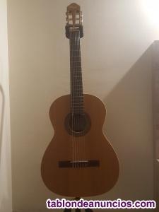 Guitarra clásica Ortega r-180