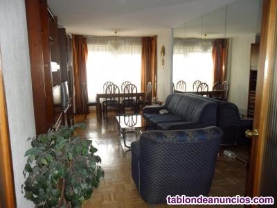 Se alquila piso en Barrio del Pilar (Madrid)