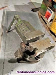 Mordazas - Bridas y husillos regulables para trabajos en fresadoras.