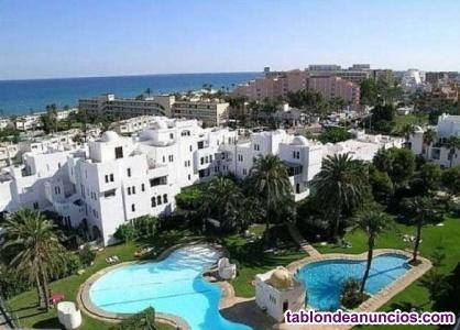 Apartamento a 200 m. De la Playa en Urb. Roquetas de Mar (Almeria)