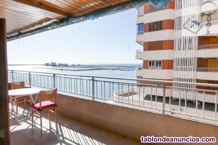 Apartamento en primerísima línea de playa del Aceq