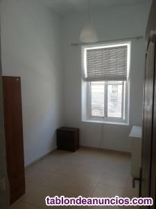 Se alquila piso de 2 habitaciones en 340€