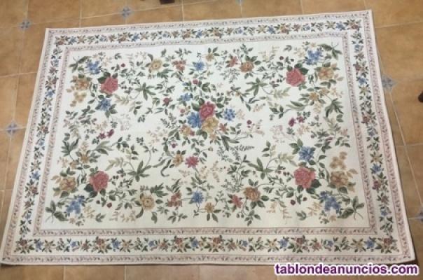Alfombra floral de lana