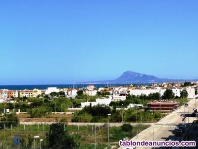 Ático a estrenar en la Playa de Oliva con piscina privada, grandes terrazas