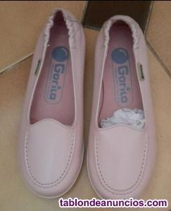 Zapatos rosa claro nuevos talla 28