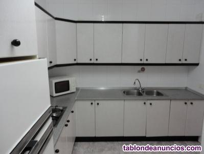 Se alquila piso amueblado céntrico en Cáceres