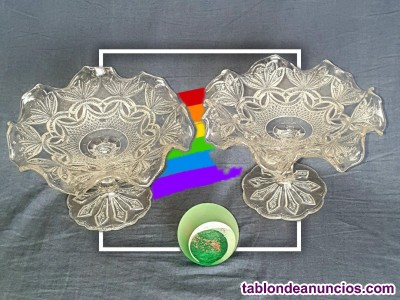 Pareja de centros de mesa fruteros de cristal