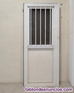 Puerta PVC con ventana sin marco