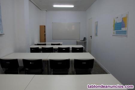 Oportunidad mobiliario de academia, con despacho incluido.