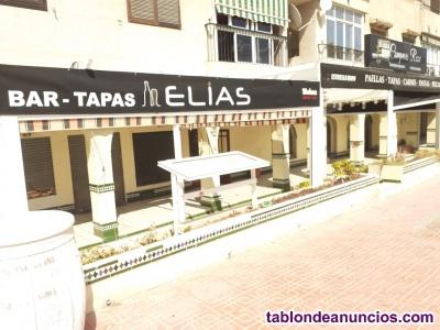 Bar - restaurante con amplia terraza, torrevieja