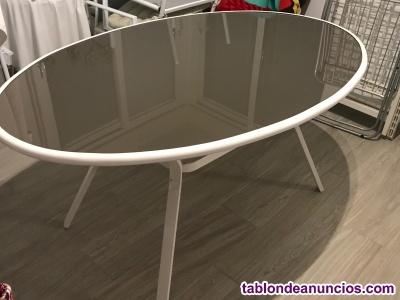Mesa de Aluminio Ovalada blanca