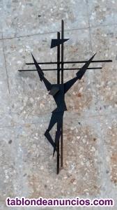 Crucifijo de hierro forjado artesanal