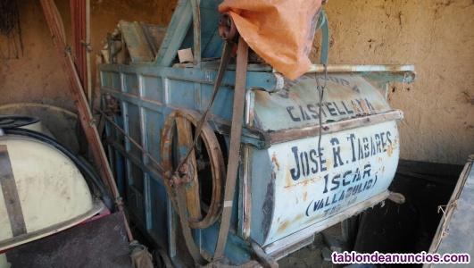 Máquina aventadora de cereal antigua