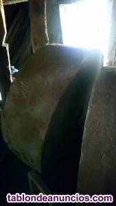 Ruedas de molino de piedra antiguas