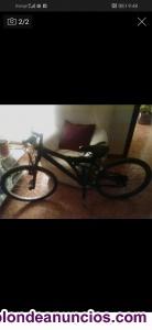 Vendo bicicleta en muy buen estado con amortiguadores delante y detrás. 40 euro.