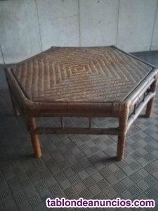 Mesa de rattan
