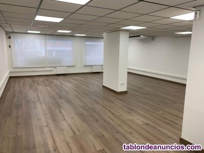 Oficina diáfana de 85m2 recién reformada, con baño y office