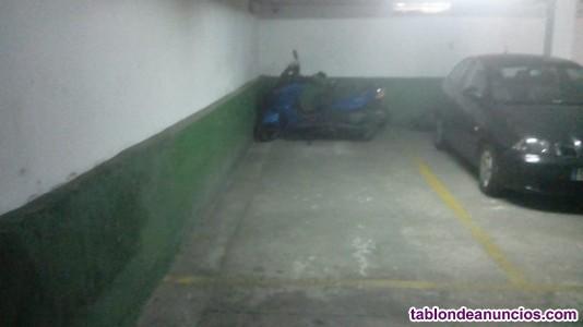 Se alquila Plaza Garaje. Grande. Para Moto.