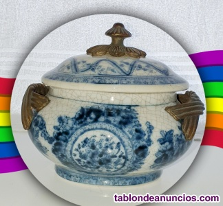 Porcelana craquelada portuguesa