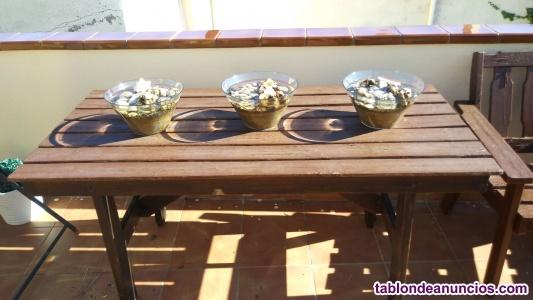 Vendo mobiliario de jardín, una mesa, un banco y dos sillones de madera
