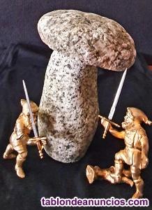 Escultura de granito compuesta de 2 piezas talladas a mano