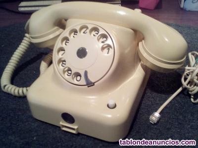 Antiguo teléfono de bakelita