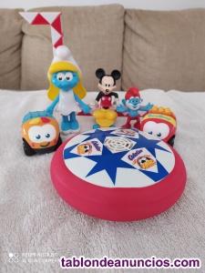 Lote de muñecos y juguetes