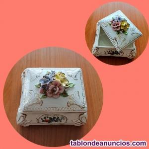Joyero de porcelana de estilo Renacentista