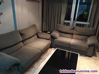 Venta conjunto de sofas de tres y dos plazas