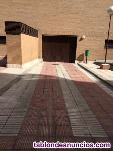 Amplia plaza - Paseo de la Direccion 114