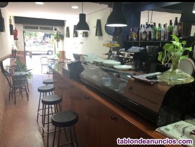 Cafetería en eix izq. Oportunidad lic c1 ideal para dos personas