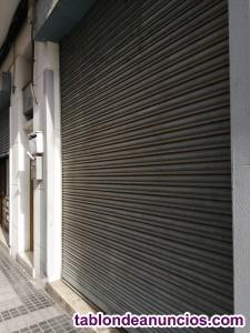 Puerta metálica tipo persiana