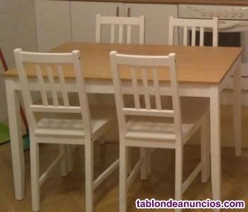 Mesa y 4 sillas blancas