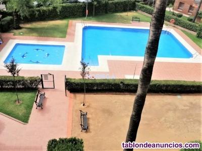 Precioso bajo con piscina y 3 dormitorios