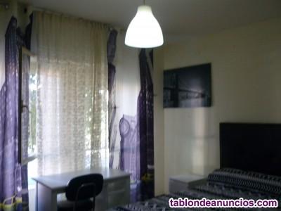 Alquilo habitación por 260€